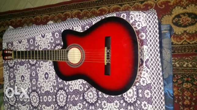 guitar classic wiht red colour الحلمية -  2