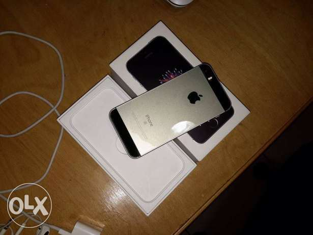iphone SE 64Gb space gray like new