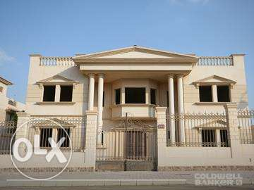 Villa located in 6 October for sale 766 m2, Royal City