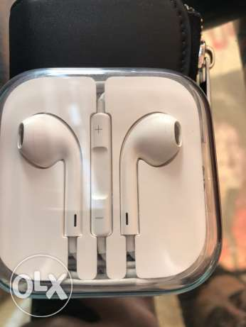 Apple iphone 6s original headphones الدقى  -  1