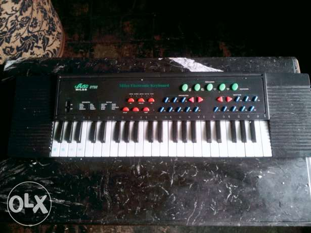 جيتار miles 3738 electronic keyboard org sale or exchange with guitar