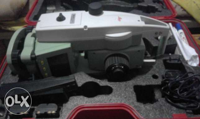 Total station leica ts02