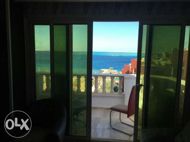 Flat on Sheraton road, in compound Serafi with private beach, 175m,3br