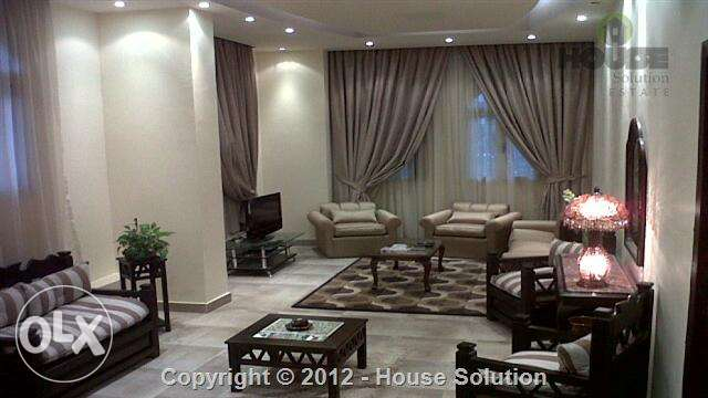 Ultra Modern Furnished Ground Floor With Garden For Rent In Maadi القاهرة -  1