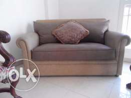 كنبة 2 مقعد جلد لونين حاله ممتازة خزان Sofa leather excellent conditio