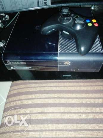 Xbox 360 with one joystick