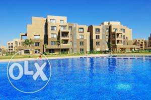Apartment in Palm Parks view lake & pool 222 sqm Fully finished 6 أكتوبر -  3