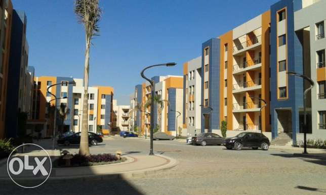 chance to own apartment at compound new cairo 220 mtr simi finshed التجمع الخامس -  4