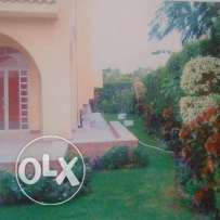 Villa in Shorouk with swimming pool , garage and garden for rent