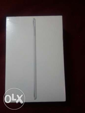 Ipad mini 4 silver .. wifi .. 16GB