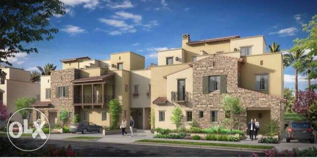 town house for sale in Mivida with installment