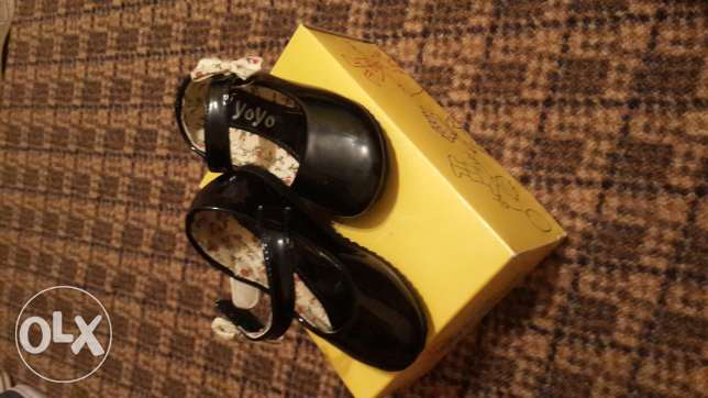 Black girls shoes size 22/23
