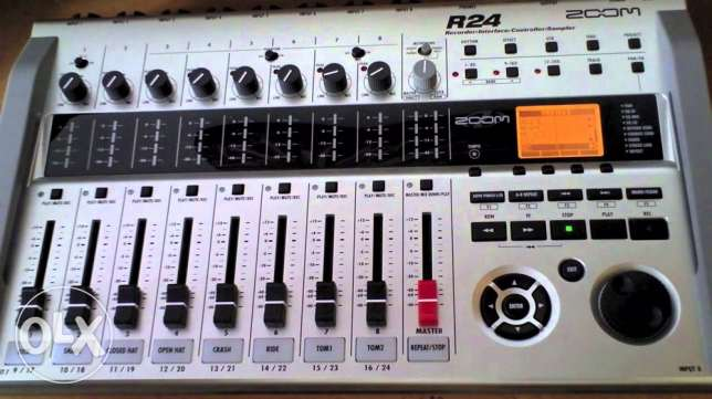 zoom r24 audio interface ( multitrack )