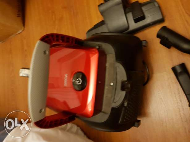 Samsung vacuum cleaner 2000 watts