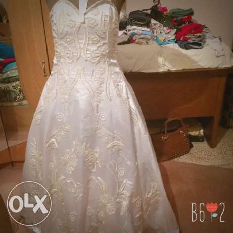 wedding dress used only one time 1000 le القاهرة الجديدة -  2