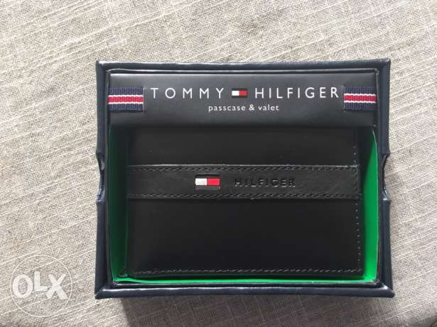 Original tommy hilfiger wallet with box new sealed