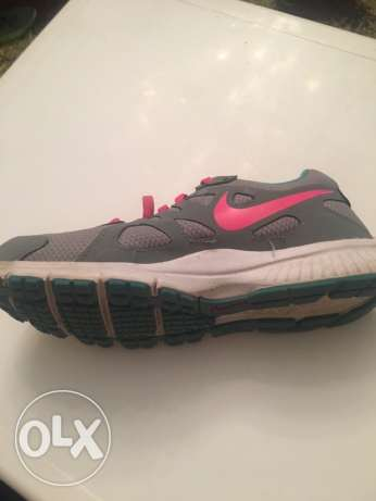 Nike sneaker size 5 for girls from usa