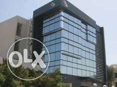 250 m for rent in the 90th Street next to the University التجمع الخامس -  1