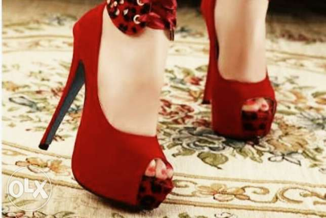Red shoes حدائق القبة -  2