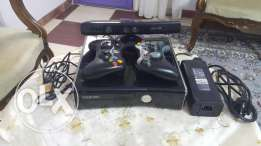 Xbox 360 + Kinect + 32 game + 2 controller