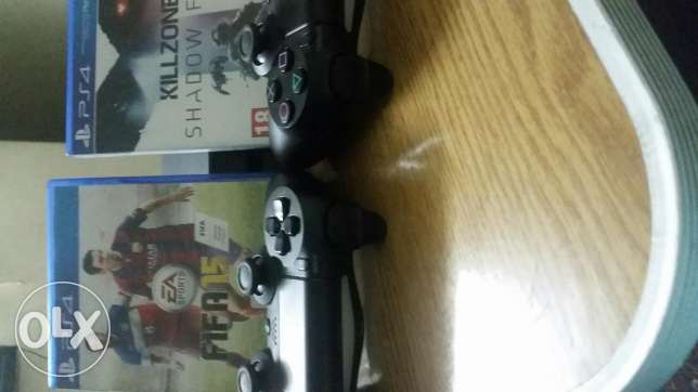 ps4+2controller+2games