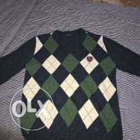 Us polo sweater./