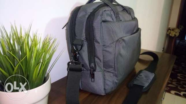L'avvento Laptop Bag for 15.6 Inch Laptops-Black & Grey Strips 6 أكتوبر -  2