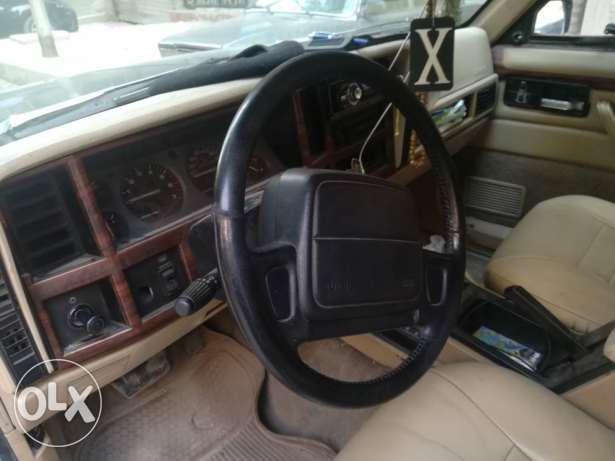 Jeep چيب شروكي 94 .. 6 سلندر 4100 سي سي فبريكه جوه Jeep Cherokee 1994