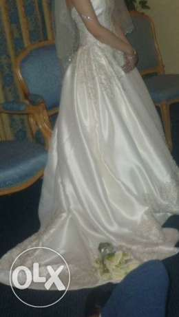 Oleg cassini wedding dress from USA. Mint condition. Sale مدينة نصر -  3