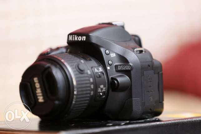 Camira nikon D5200 with all accessories good condition