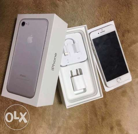 iPhone 7 silver 128g As new