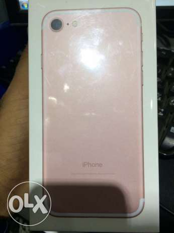 iphone 7 128gb new with facetime & warranty سوق الأحد -  2