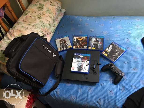 Ps4 1TB with 5 games