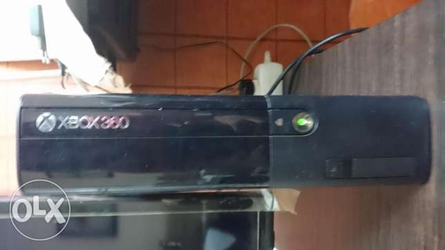 Xbox 360+kinect+2 controllers+6 games