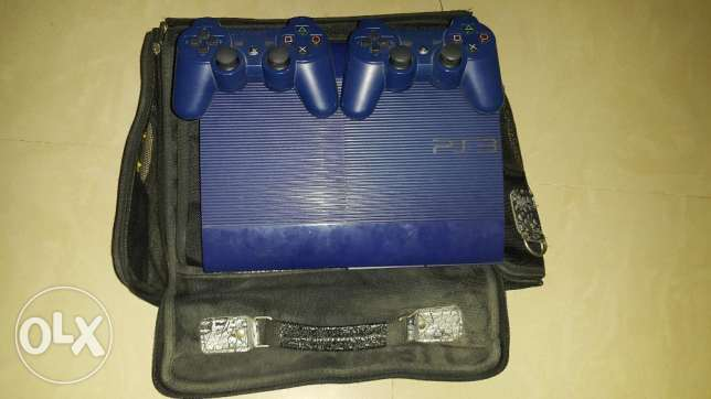 PlayStation 3 500gb superslim limited edition