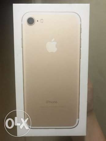 ايفون ٧ ذهبي ١٢٨ جيجا - iphone 7 gold 128 GB