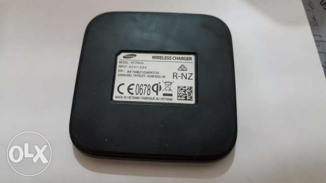 ORIGINAL Samsung wireless charger New Mini edition