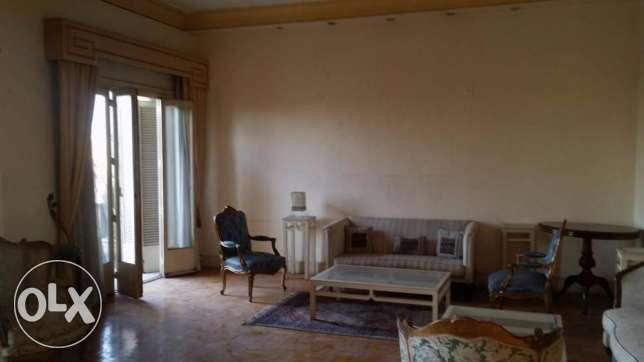 Apartment for rent, First raw nile view ,250 sqm on the 5th floor.