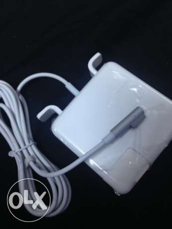 Macbook charger 60w Magsafe power adapter