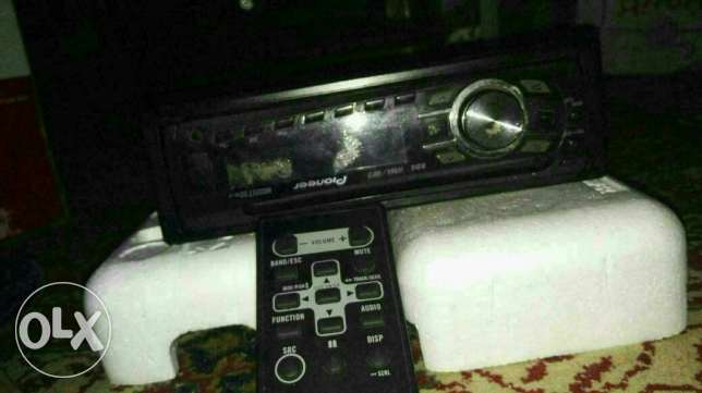 Pioneer CD 4350 , Good Condition with box and remote control الإسكندرية -  3