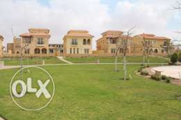 Hot deal with old prices Twin house 350 m in Hyde Oark هايد بارك