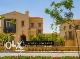 Villa separate in Emaar mivida ready to move prime location