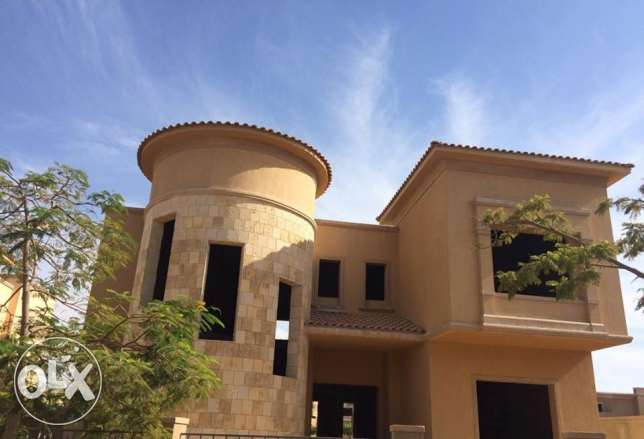 For Sale Stand Alone Villa at Swan Lake 6th October city الشيخ زايد -  1