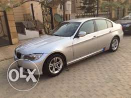 2011 BMW 318i one owner with ONLY 57,000KM