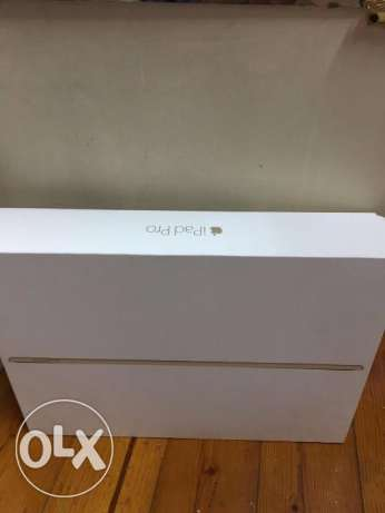 iPad Pro 12.9 Gold - 128GB wifi + cellular + كسر زيرو + Cover مصر الجديدة -  1