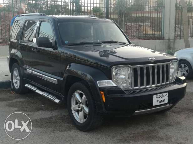 Used jeep Cherokee kk 2010 in a perfect condition