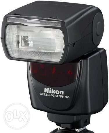 Nikon Flash SB-700 Brand New + Case, Diffusers and Filters