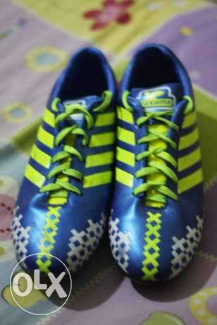 football shoes -كوتشى استارز
