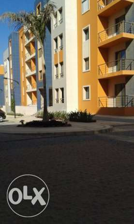 chance to own apartment at compound new cairo 220 mtr simi finshed التجمع الخامس -  3