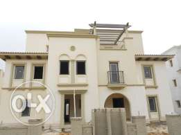 Finished Twin house 320 SQm for sale - Mivida